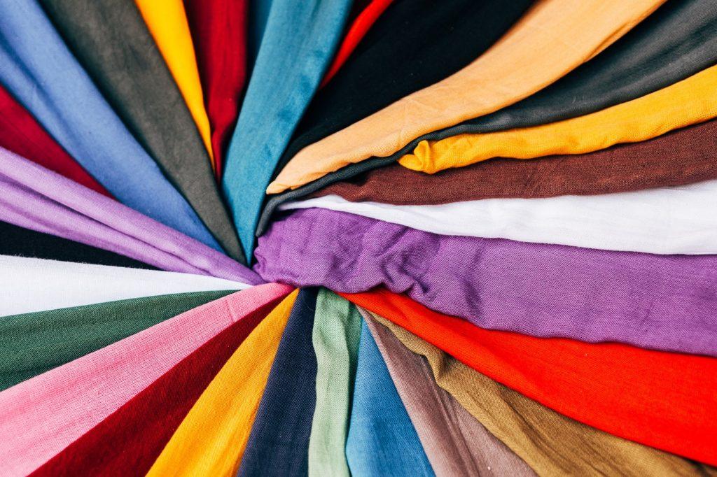 vêtements de couleur
